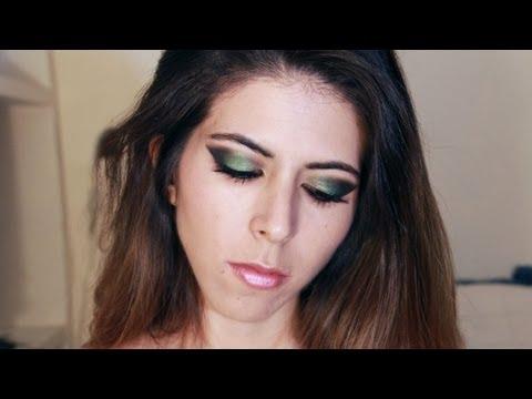 Maquillaje vestido verde jade